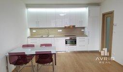 Prodej pěkného světlého bytu 2+kk, Brno - Žabovřesky, novostavba, balkón, parkovací stání, ulice Sochorova