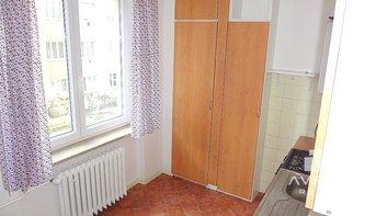 Pronájem bytu 2+1, Brno - Královo Pole, balkón, neprůchozí pokoje, cihlový dům, vhodné i pro studenty, ulice Ramešova
