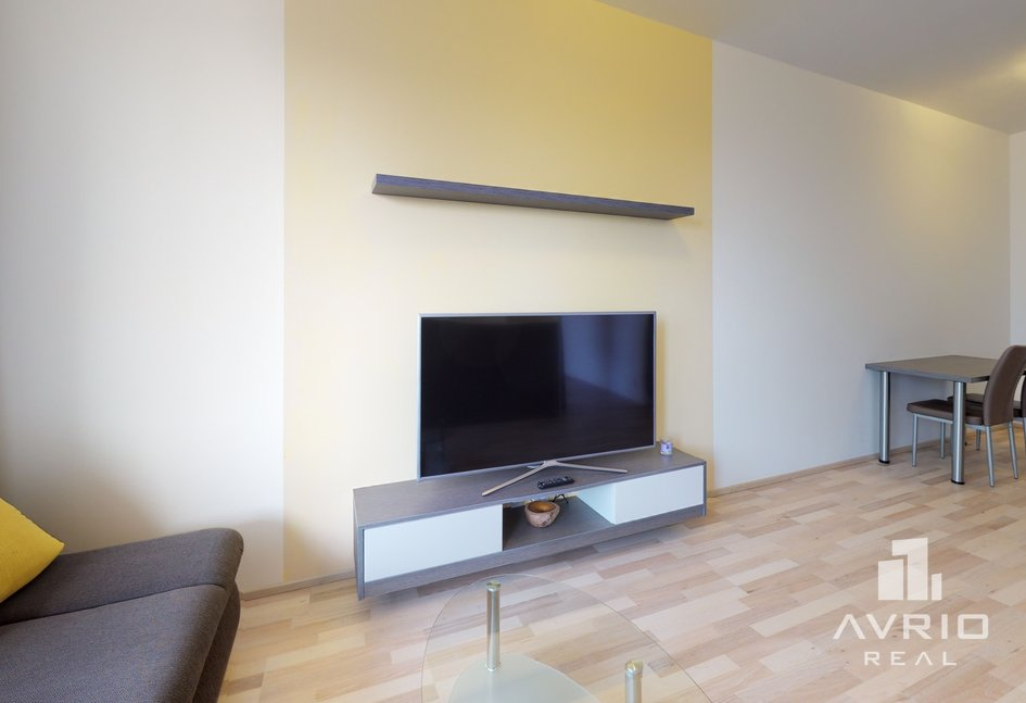 2kk-Slatina-Living-Room