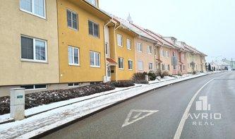 Prodej bytu 2+kk, Brno Soběšice, cihlový dům, zahrádka, ulice Zeiberlichova