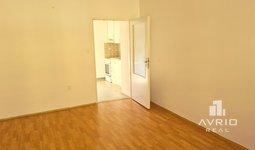 Krátkodobý pronájem bytu 1+1, Brno Zábrdovice, cihlový dům, ulice Vranovská