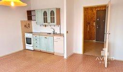 Prodej bytu 1+kk, Brno Bohunice, koupelna po rekonstrukci, dům po revitalizaci, ulice Spodní