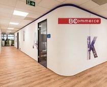 Pronájem moderní kancelářské jednotky 868m²