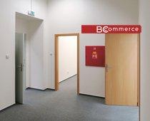 Pronájem reprezentativní obchodně - kancelářské jednotky v centru města, 98 m²