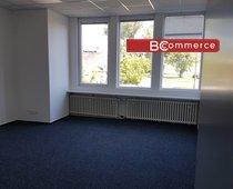 Pronájem uzavřené kancelářské jednotky s vl. zázemím včetně 10 parkovacích míst,  550m² - Hodonín