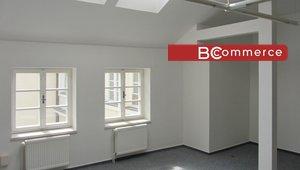 Pronájem, reprezentativní kancelář na pěší zóně, 30m²
