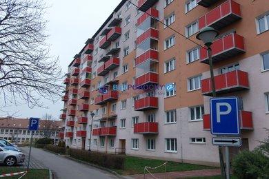 Pronájem kompletně zařízeného bytu 2,5+1 na ulici Bratří Čapků v Jihlavě, Ev.č.: 101-00193