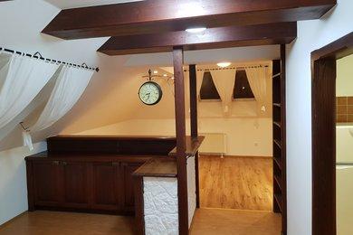 Pronájem atypického bytu 2+1 v Dobšicích u Znojma,96 m2, Ev.č.: 20B-0036