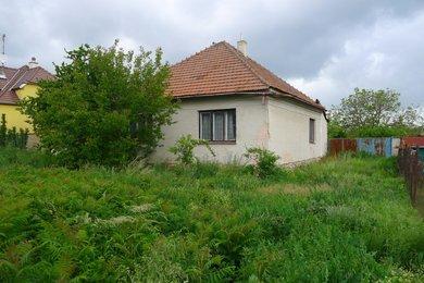 Prodej RD -pozemek 1800 m2- Mikulovice u Znojma, Ev.č.: 20B-0006