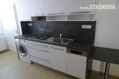 Pronájem bytu 2+1, 57 m2,panel,po rekonstrukci,lodžie,Znojmo, Ev.č.: 21B-0057