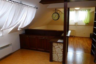 Pronájem bytu 2+1 v Dobšicích u Znojma,96 m2, Ev.č.: 18B-0004