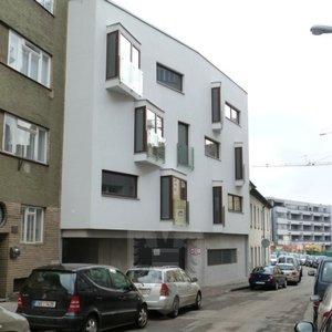 Pronájem, Parkovací stání, 11 m² - Brno - Staré Brno - Brno-střed - ul. Kopečná 9