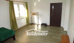 Pronájem, bytu 3+1 v rodinném domě, 80 m² - ZLÍN - ŠTEFÁNIKOVA (po rekonstrukci, parkovací místo)