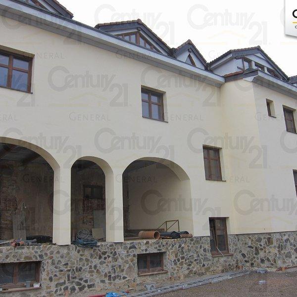 Multifunkční budova s restaurací, penzionem  a byty