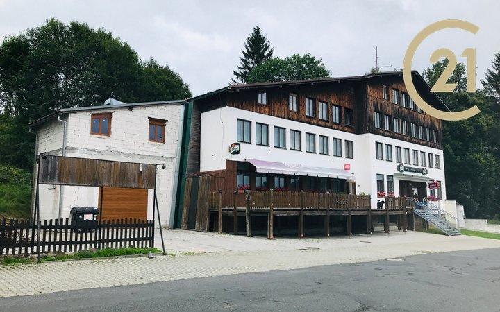 Prodej fungujícího hotelu, vhodný pro přestavbu na apartmány