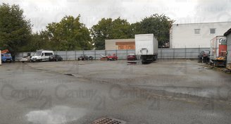 Zpevněná, opl. skladovací plocha až 501 m2 Zlín-Prštné