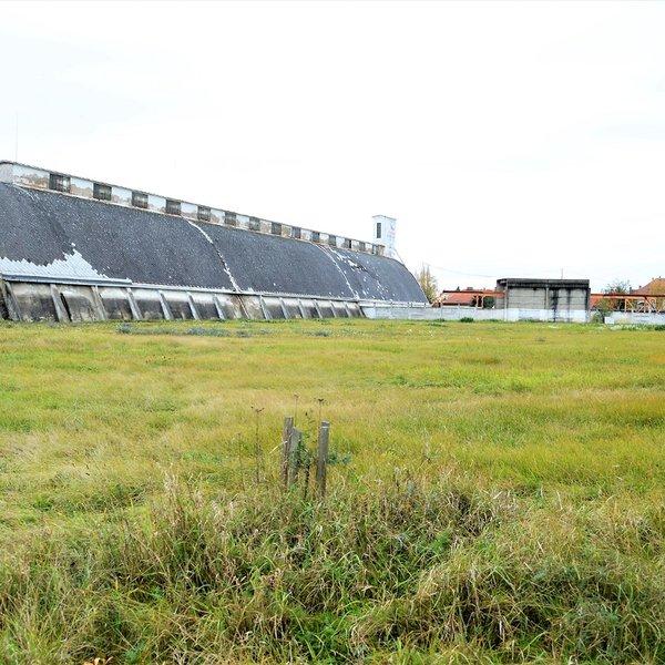 Prodej pozemků 16075 m2 Kostelec nad Labem
