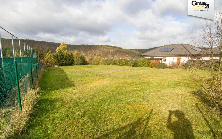 Prodej pozemku-1375m2, v blízkosti křivoklátských lesů