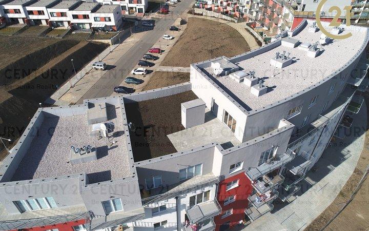 Prodej bytu 4+kk, 105.60 m2, terasa 137.30 m2