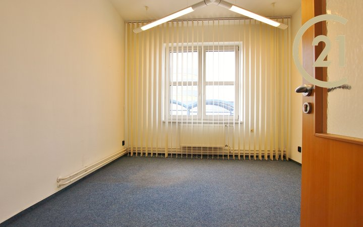 Moderní 3 kanceláře se skladem a zázemím,ul. Olomoucká - Brno