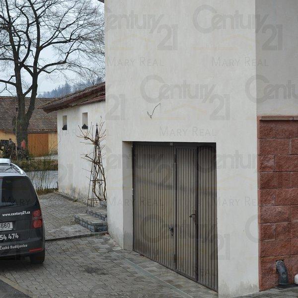 Velký, luxusně vybavený RD - Penzion v malebné obci.
