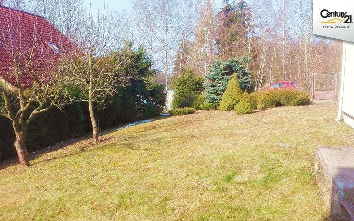 Zahrada 400m2, 10km od Prahy
