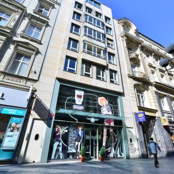 Nádherný tichý velký byt 3+kk / 149 m2 v centru Prahy