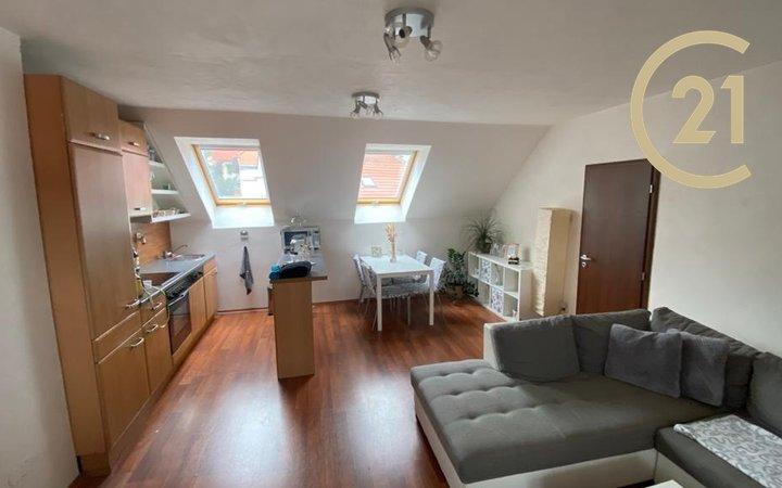 Bydlení v bytě v rodinném domě vhodné pro jednu, max. dvě osoby, volný od 1.11.2021