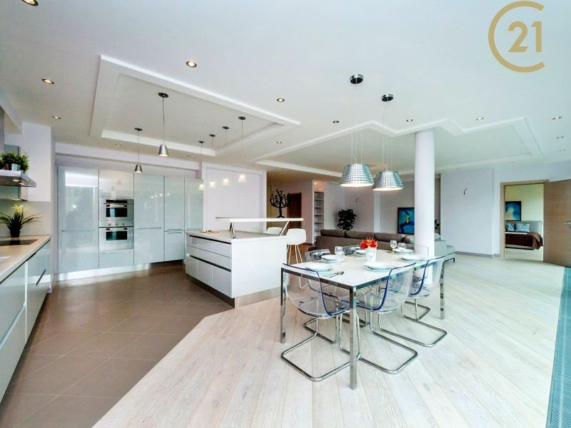 Luxusní byt 5+kk/2GS, 218 m2, OV, Praha 6 –