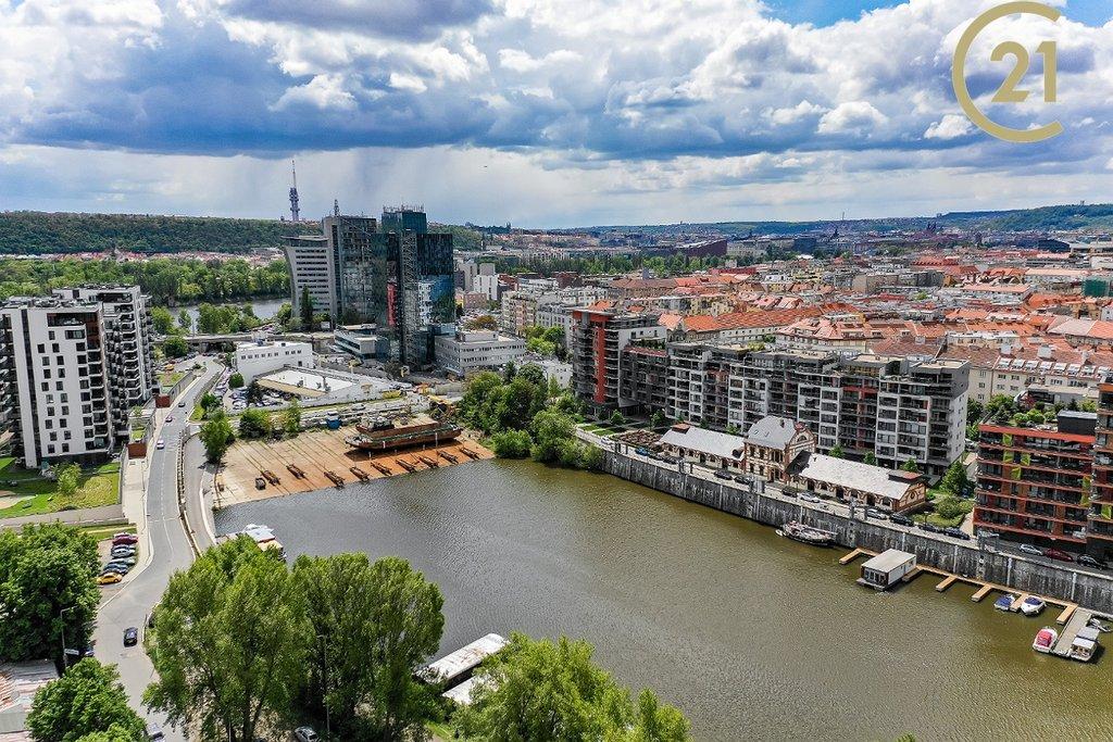 Prodej lodě, kotviště Praha 7 - Holešovice