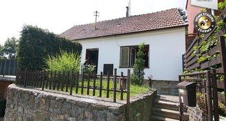 Rodinný dům 2+1 + 2 pokoje v přístavku, garáž, Pozořice