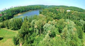 Atraktivní pozemek v Praze na břehu Hostivařské přehrady