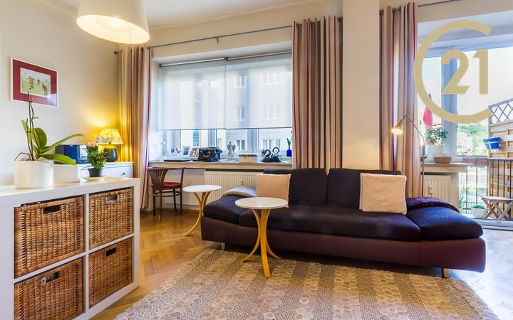 Útulný byt 1+kk s balkonem, 32,3 m2, Praha - Košíře.