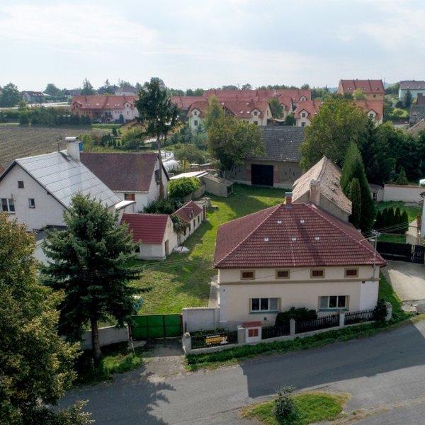 Prodej venkovského domu s hospodářským stavením, 2097 m2, Jenčice - Litoměřice