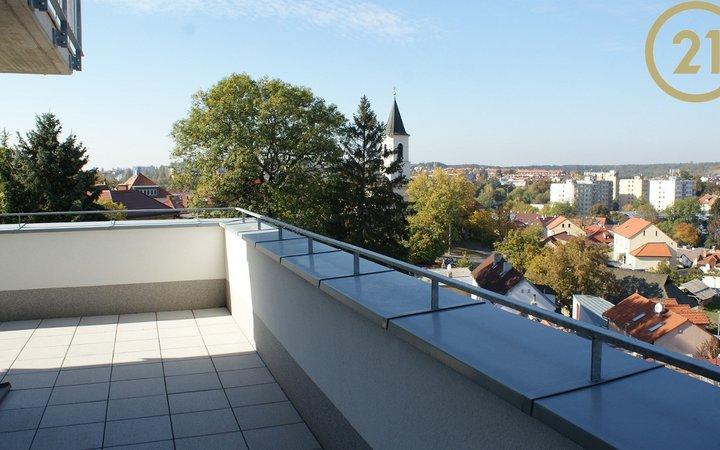 Krásný světlý byt 5+kk s terasou a garáží v novostavbě