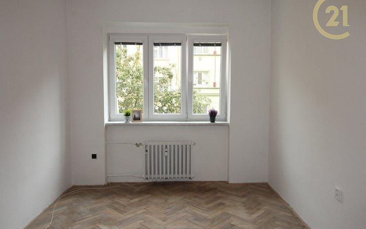 Pronájem bytu 2+1 u metra Pražského povstání