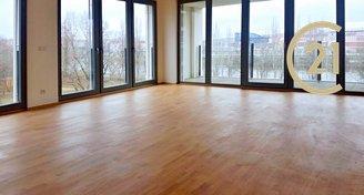 Nový byt 4+kk/2xL, 2xGS, 139m2, Praha 8, Karlín