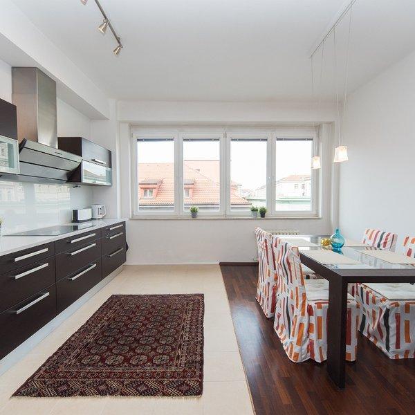 Reprezentativní, zařízený byt 3+1, 104 m2, Praha 1
