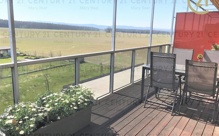 Zánovní světlý byt 2+kk s terasou 18 m2 na Zavadilce