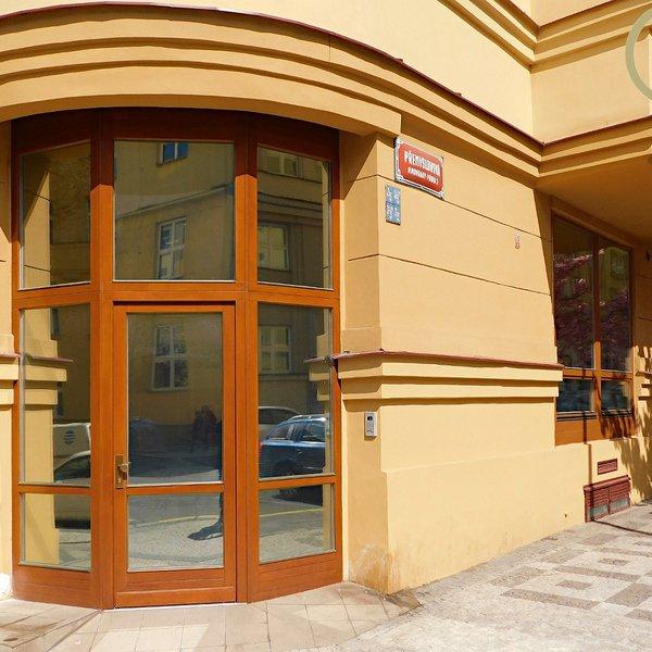 Pronájem obchodního prostoru 150 m2, ul Přemyslovská