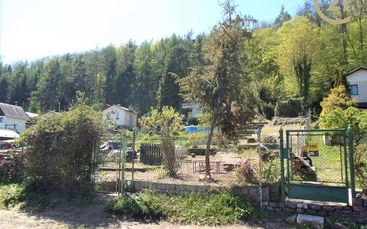 Prodej pozemku Na Ptáku, Beroun, 470 m2