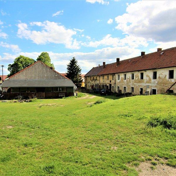 Zemědělská usedlost/ statek, 10.633 m², Nemyslovice
