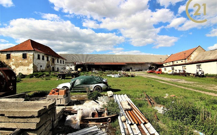 Zemědělská usedlost/ statek, 10.789 m², Nemyslovice