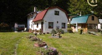 Chata se zahradou v obci Masečín, okr. Praha-západ