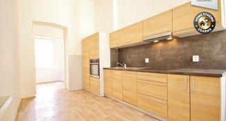 Prvorepublikový byt  po rekonstrukci 3+1, 102 m2 na ul. Panská 10