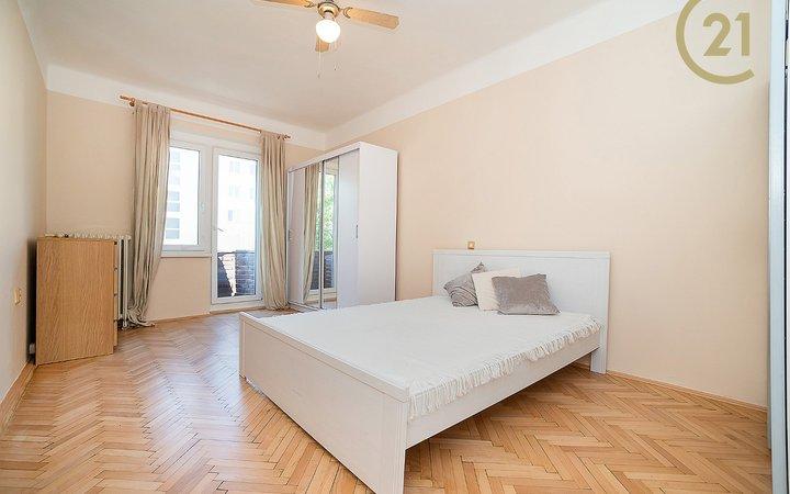 Zařízený byt 2+kk/B (44,5 m2) Dělnická, Holešovice