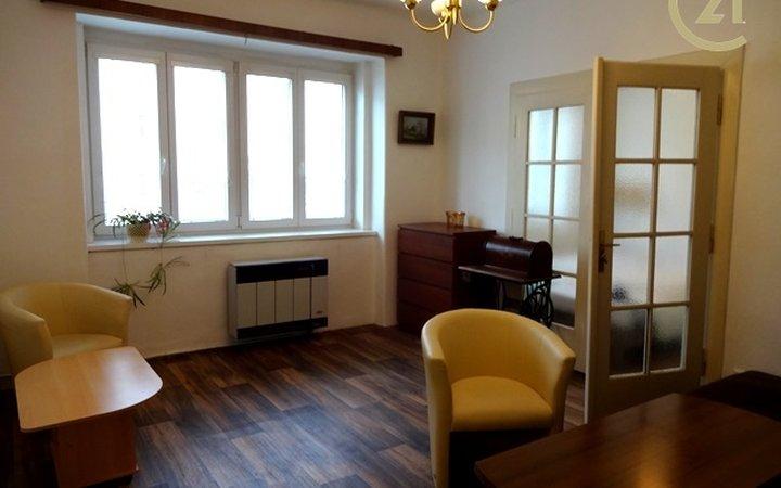 Pronájem bytu  2+1 v Praze 5, Košířské náměstí