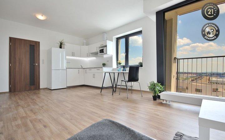 Pronájem slunného moderního bytu 2+KK, novostavba