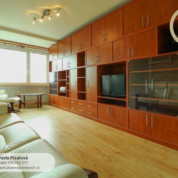 Prostorný byt 3+1 s lodžií