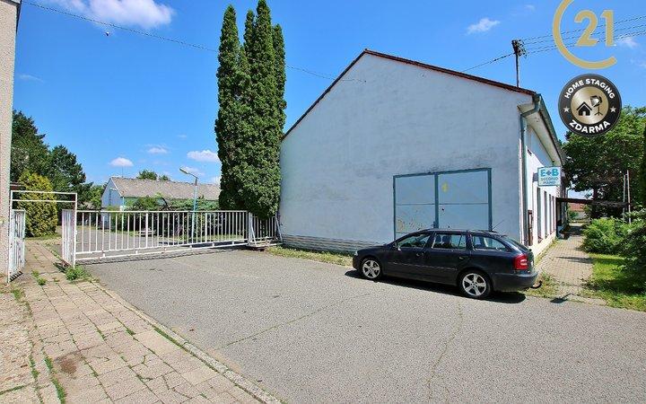 Prodej výrobního areálu 4 360 m2, Pohořelice